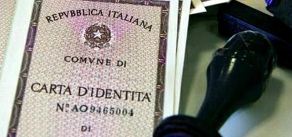 Primera carta de identidad a los 62 años de edad