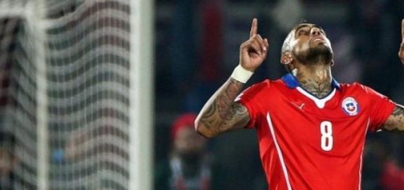 Arturo Vidal foi destaque na campanha chilena