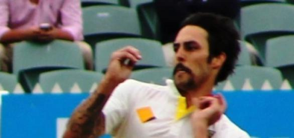 England must stop Mitchell Johnson © Mertie