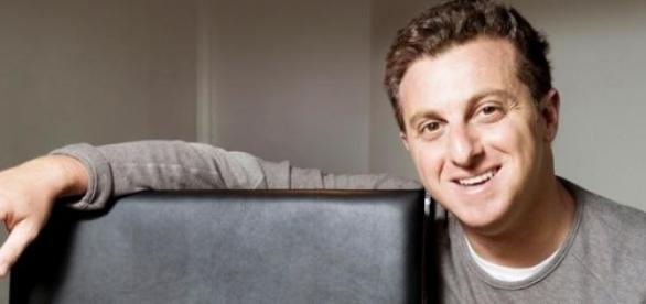 Globo faz contrato longo com Luciano Huck