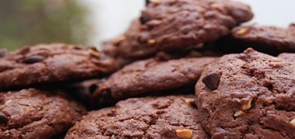 Biscotti al cioccolato e gli arachidi.