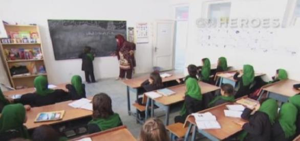 Femeile afgane și dreptul la educație