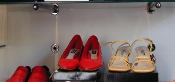 Zapatos a mitad de precio, auténticas rebajas!