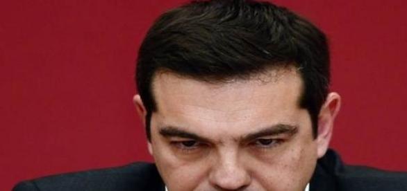 Grécia formaliza pedido de apoio financeiro