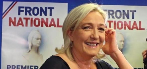 Marine Le Pen attacca l'UE
