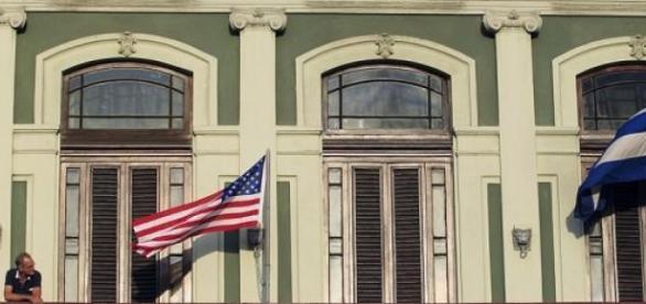 Embaixadas serão reabertas em Havana e Washington