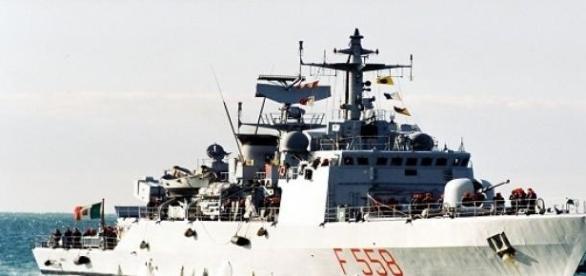 Una nave della marina italiana