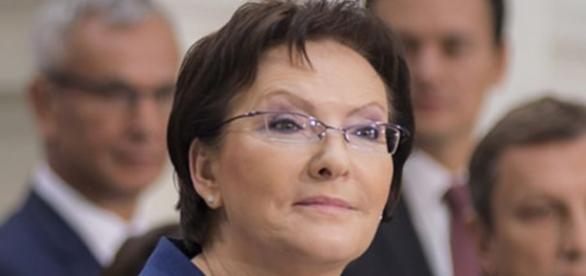 Partia Ewy Kopacz w sondażu na 2. miejscu