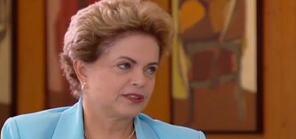 Dilma Rousseff anuncia que não irá renunciar