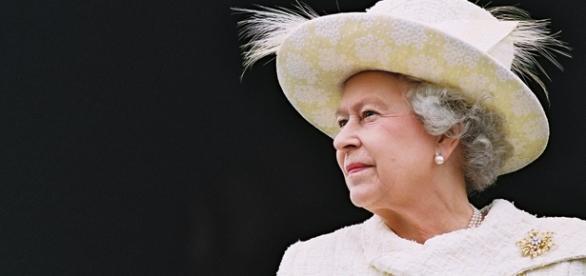 Rainha sofre ameaças de extremistas.