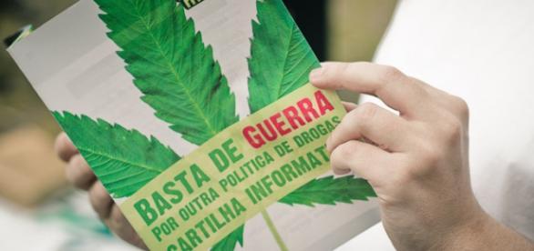 Cartilha informativa sobre a política de drogas