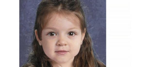 Portretul făcut pe calculator al fetiţei
