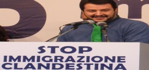 Salvini durante una manifestazione a Torino (2013)