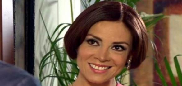 Simone confunde Maricruz com Lúcia Narváez