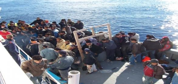 Un barcone sbarcato sulle coste italiane