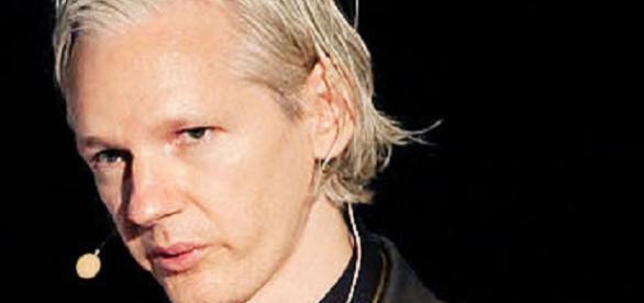Julian está refugiado en la embajada de Ecuador