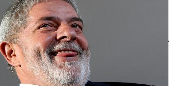 Ganhou 13000 reais por minuto, dando palestra