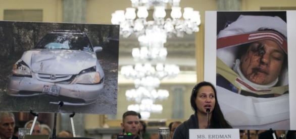 Norte-americana se feriu com estilhaços do airbag