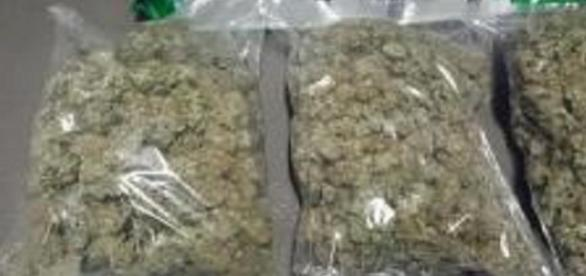 O persoana vindea 500 grame de heroina
