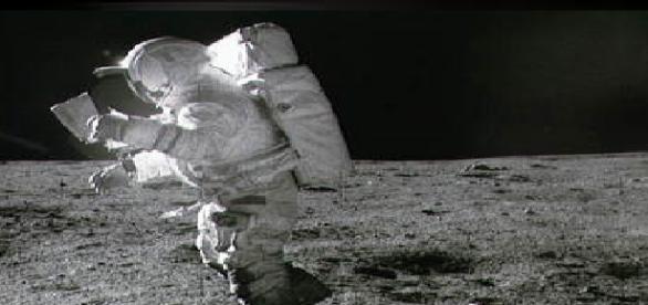 Astronautul american Edgar Mitchell