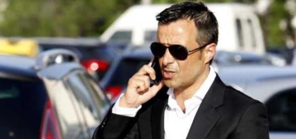Jorge Mendes com poder de decisão no Benfica
