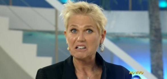 Xuxa bate boca com equipe por problemas técnicos