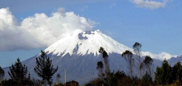 El volcán aumentó su actividad en abril pasado