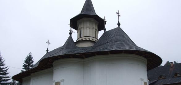 Manastirile sunt locuri incarcate de mister