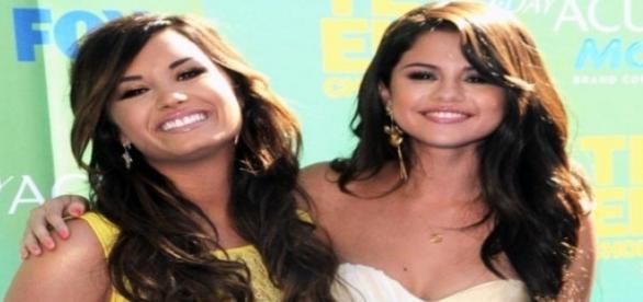 Selena Gomez e Demi Lovato retomam amizade