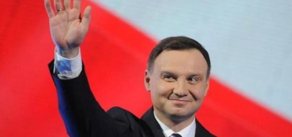 Andrzej Duda- prezydent Polaków czy PiS?