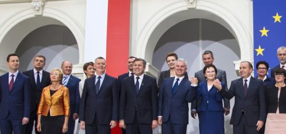 Czy rząd Ewy Kopacz ulegnie Merkel?