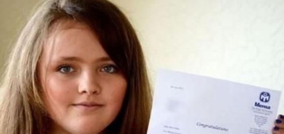 Nicole, fetița din Uk. Sursa foto: Greatnews.ro