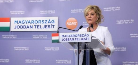 Fidesz acuză UE de la tribuna Parlamentului