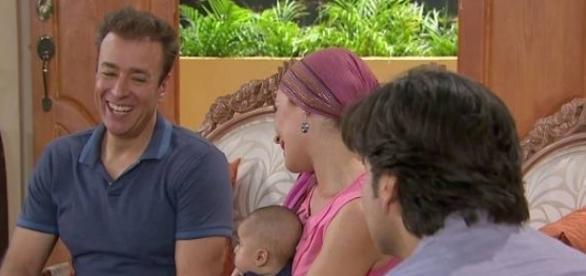 Simone se apaixona por seu médico Danilo Palma