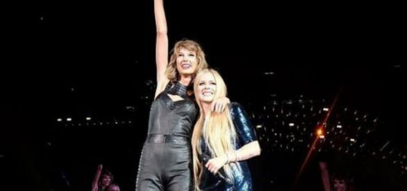 Avril acompañó a swift en el tour 1989