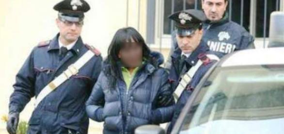 Badantă româncă arestată pentru trafic de droguri