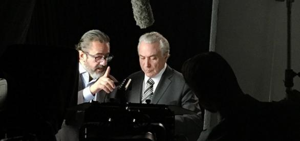 Vice, Temer ataca Dilma em novo programa na TV