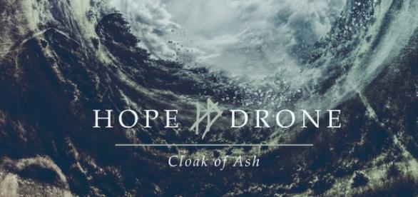 Hope Drone - Cloak Of Ash, um dos álbuns do mês