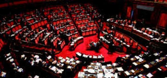 Sondaggi: crolla il Pd e FI, la Lega al 23%.