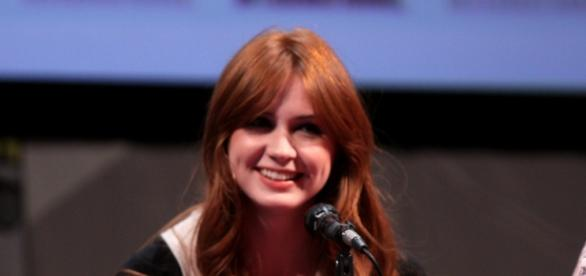 """Spielt Karen Gillan in """"Outlander"""" Brianna?"""