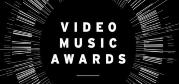 VMA 2015 é transmitido ao vivo pela internet