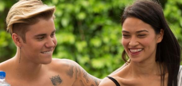 Justin Bieber trata bem as suas namoradas.