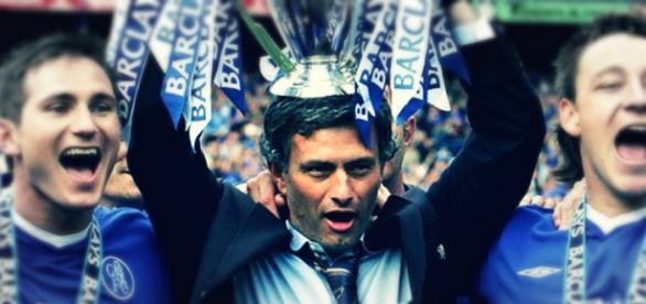 Mourinho inicia, neste sábado, sétima liga inglesa
