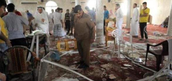 Saudi police double check the debris