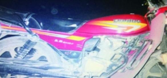 Xiong Ku ficou em pânico mas fugiu no veículo