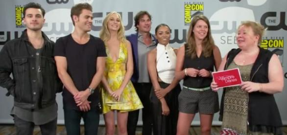 O elenco de The Vampire Diaries falando sobre a T7