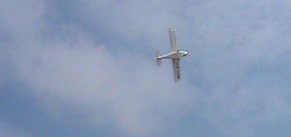 Planorul a plecat în zbor joi la prânz