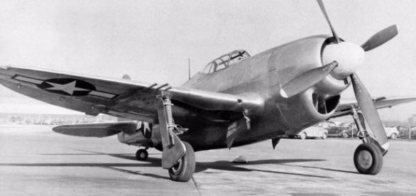 Avion Thunderbolt din Al Doilea Razboi Mondial