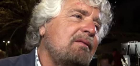 Grillo contro Renzi e il PD: 'Elezioni subito'
