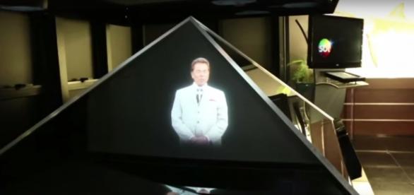 Pirâmide misteriosa de Silvio Santos assusta
